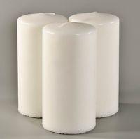 Белая восковая свеча